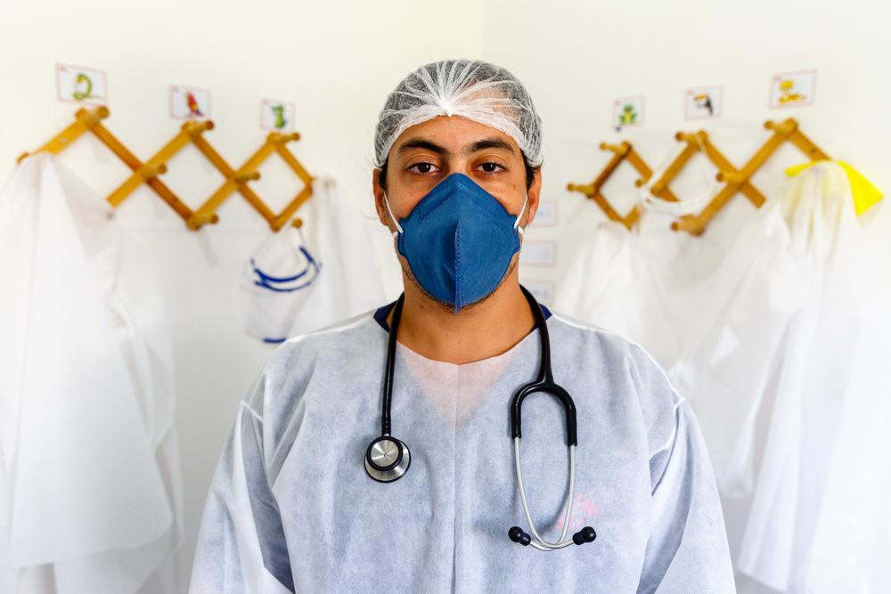 Верный помощник врачей: медицинская маска | Врачи без границ