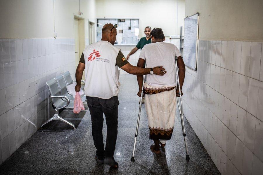 Коридоры травматологической больницы MSF в Адене. Йемен, декабрь 2018 г.