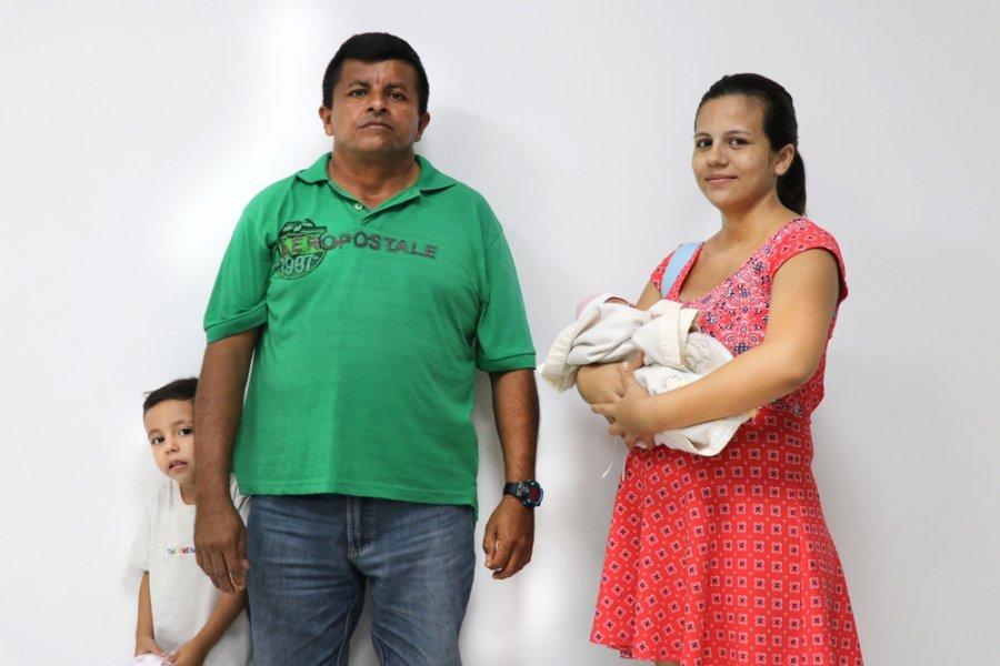 Семья венесуэльских мигрантов в Тибу на границе с департаментом Норте-де-Сантандером, где MSF проводит программы медицинской помощи. Колумбия, май 2019 г.