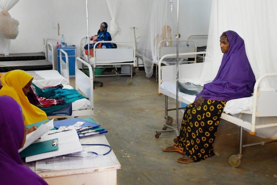 В родильном отделении Байдабо женщины получают уход как в самом начале родов, так и после них. Сомали, июль 2018 г.
